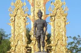 CHIANG RAI 02 Monument Mengrai