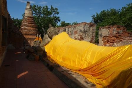 Vihara du Bouddha couché au Wat Putthaisawan