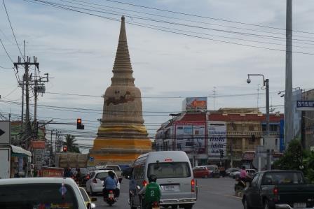 Chedi Wat Sam Plum