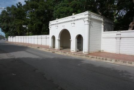 Clôture du parc du Palais de Bang Pa-In
