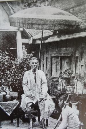 Le Prince Alongkot photographié par John Thomson